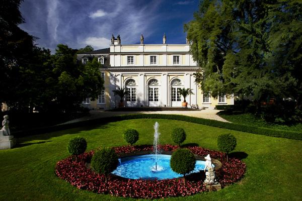 La Redoute in Bonn Bad Godesberg - eine der schönsten Locations für Feiern, Hochzeiten und Tagungen am Rhein.